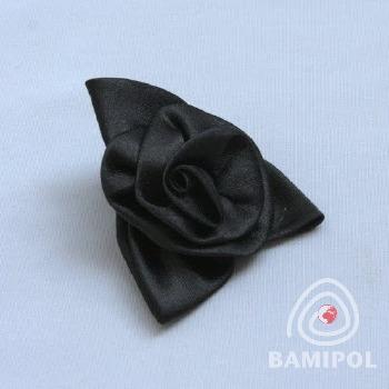 20.04 róża na agrafce