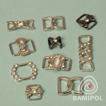 Ozdoby metalowe z cyrkoniami